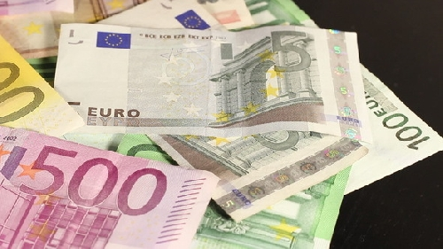 BCE 2015: interessi in calo sui prestiti a famiglie e imprese Foto